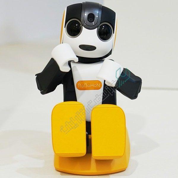 ربات جذاب RoBoHon شارپ